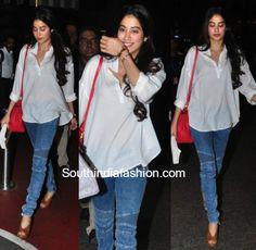 Jhanvi Kapoor and Khushi Kapoor spotted at the airport photo