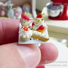 Miniature pastry display www.parisminiatures.etsy.com