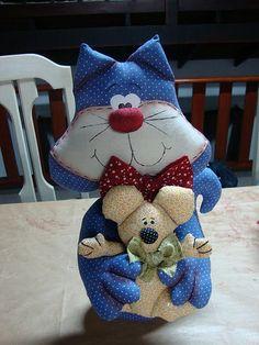 Gato com ratinho no colo...peso de porta ou enfeite | Flickr