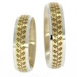 "Romanian #wedding #ring traditional motifs ""Crenguţa"" http://platferma.ro/2015/07/verighetele-care-ancoreaza-mirii-in-traditia-romaneasca/"