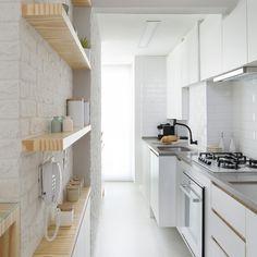 Galley Kitchen Design, Kitchen Room Design, Modern Kitchen Design, Interior Design Kitchen, Home Design Decor, Home Room Design, Küchen Design, House Design, Narrow Kitchen