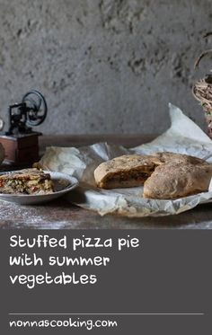 Stuffed pizza pie with summer vegetables Pike Recipes, Egg Recipes, Dishes Recipes, Thai Recipes, Northern Pike Recipe, Tasty Dishes, Food Dishes, Best Italian Dishes, Grilled Sardines