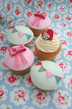 Mothers' Day Cupcake Decorating Ideas