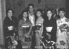 "Elvvis with - Yumi Shirakawa, Hideko Takamine, Elvis, Yoko Minamida, Misako Uji and Yumiko Hasegawa - Meeting on the set of Paramount's ""King Creole,"" Jan 1958"