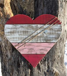 Reclaimed Pallet Wood Heart Love Sign /
