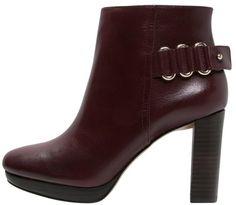 """Pin for Later: Die 20 besten Ankle Booties für einen stylischen Herbst  Nine West """"Kali"""" Ankle Boot in Bordeaux (165 €)"""