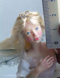 Fate OOAK, Bambole d'Artista, Bimbi, Conigli, Topini, Pettirossi e altre Piccole Creature modellate in Pasta sintetica, in scala 1/12 e altre scale.