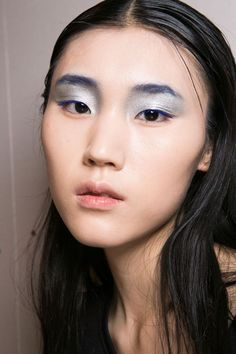 Two-tone lids, smudged lips, Twiggy-esque lashes, and more.