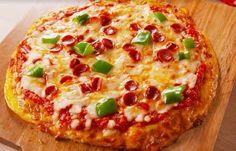 Zo maak je een koolhydraatarme pizza om je vingers bij af te likken