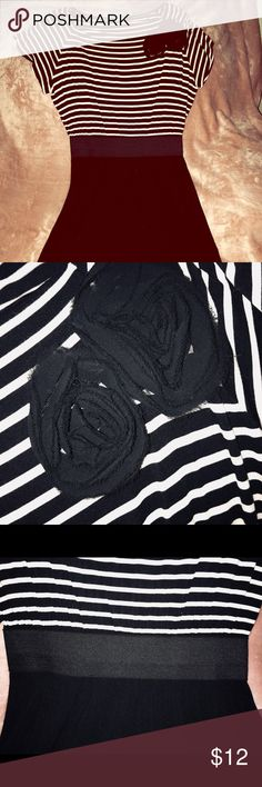 Stripped Dress - The Limited Striped Dress - The Limited (NWT, SFH) Striped top w/ floral accent. Elastic waistband.  Worn once, great condition! Size M The Limited Dresses