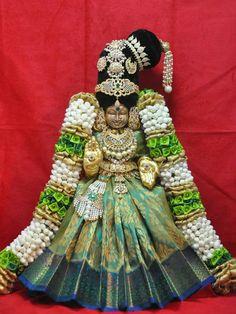 Thayar Diy Diwali Decorations, Festival Decorations, Lakshmi Statue, Shiva Tattoo Design, Lord Rama Images, Laddu Gopal Dresses, Lord Ganesha Paintings, Lakshmi Images, Wedding Doll