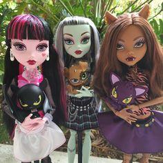 https://flic.kr/p/EZ8iH7 | monster high! monster high! | Big Monster High Dolls! Draculaura &Count Fabulous, Frankie Stein & Watzit, Clawdeen Wolf & Crescent!