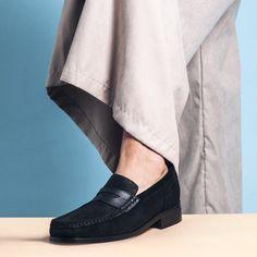 #scarpeconrialzo #scarperialzate #scarperialzanti #guidomaggi #scarpeguidomaggi #luxury #madeinitaly #italianstyle #lusso #lifestyle #stile #style #mocassini #mocassiniconrialzo #pennyloafers #stile Penny Loafers, Loafers Men, Elevator, Luxury Shoes, Italian Style, Oxford Shoes, Dress Shoes, Leather, Black
