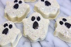 Glittery Ghosts Decorated with Drenched in Diamonds Blinged-Out Glittery Sugar Sprinkles Edible Glitter Sugar, Sugar Sprinkles, Autumn Cooking, Ghost Cookies, Chocolate Bark, Edible Cake, Halloween Treats, Ghosts, Cake Decorating