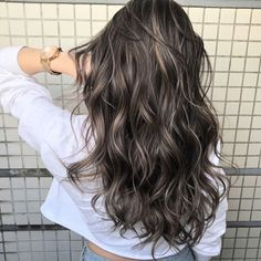 Ash Brunette Hair 9 Best Fall Hair Trends That Will Inspire Your Next Look Brown Hair Balayage, Brown Blonde Hair, Hair Color Balayage, Hair Highlights, Ash Brown Hair With Highlights, Color Highlights, Dark Brown Hair With Highlights And Lowlights, Bayalage, Blonde Balayage