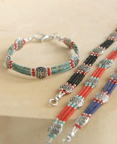 Beaded Tibetan Bracelet With Red Beads - diy - Jewelry Wire Jewelry, Jewelry Crafts, Jewelery, Jewelry Bracelets, Handmade Jewelry, Handmade Beaded Bracelets, Jewelry Findings, Beaded Wrap Bracelets, Handmade Wire