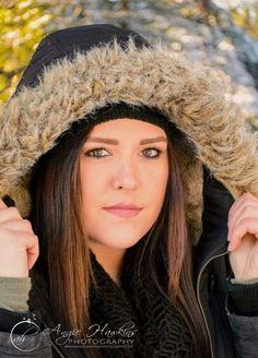 Model MacKenzie Burris  #angiehawkinsphotography  #reddingphotographer  #andersonphotographer #modernsenior #seniorpic #seniorportraits #model #portraits #winterportraits #model #seniorinspire