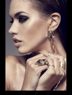 Like wet skin with jewellery