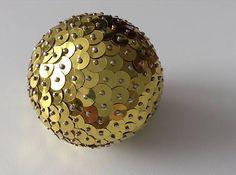 HomeDecor / Dekoračná / Vianočná guľa - zlatá (flitre)