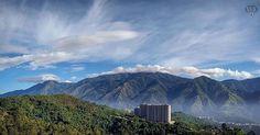 Te presentamos la selección del día: <<AVILA #3J>> en Caracas Entre Calles. Amanecimos bonito  | Desde mi Ventana ============================  F O T Ó G R A F O  >> @cjmarrufo << Visita su galeria ============================ SELECCIÓN @mahenriquezm TAG #CCS_EntreCalles ================ Team: @ginamoca @luisrhostos @mahenriquezm @teresitacc @floriannabd ================ #avila #elavila #Caracas #Venezuela #Increibleccs #Instavenezuela #Gf_Venezuela #GaleriaVzla #Ig_GranCaracas #Ig_Venezuela…
