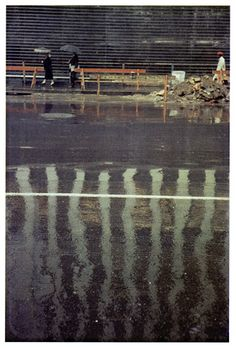Saul Leiter, Street Scene, Courtesy Howard Greenberg Gallery, New York William Eggleston, Saul Leiter, History Of Photography, Color Photography, Street Photography, Candid Photography, Glamour Photography, Urban Photography, Lifestyle Photography