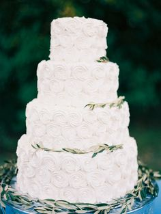 Photography: Becca Lea - undefined Event Planning + Design: Lindsey Zamora - undefined Floral Design: Pollen Events - undefined   Read More on SMP: /2017/02/13/blending-culture-and-tradition-in-the-prettiest-of-ways/ Textured Wedding Cakes, Mini Wedding Cakes, Square Wedding Cakes, Wedding Wraps, Wedding Menu, Wedding Planning, Wedding Day, Wedding Bells, Event Planning