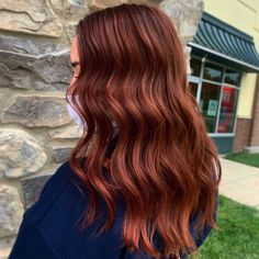 This is a gorgeous and rich auburn fall color that looks hot this year for fine hair. Photo credit: Instagram @shearsandpaws. #auburnhair #fallhaircolor #finehair