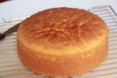 Butter cake recipe from scratch Dessert Cake Recipes, Easy Desserts, Dessert Ideas, Tao, Dessert Table Birthday, Kolaci I Torte, Dessert For Two, Cake Recipes From Scratch, Hot Fudge