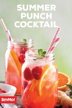 Made with vodka, elderflower liqueur, pear puree, sweet and sour mix, and sparkling wine. Sparkling Drinks, Cocktail Drinks, Cocktails, Bar Drinks, Alcoholic Drinks, Beverages, Vodka Punch, Summer Punch, Sour Mix