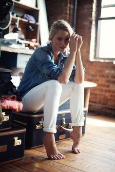 denim shirt + white skinny jeans