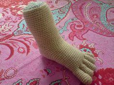 Ravelry: Baby Foot Model pattern by Sonea Delvon Crochet Shoes Pattern, Crochet Dolls Free Patterns, All Free Crochet, Craft Patterns, Amigurumi Patterns, Amigurumi Doll, Baby Patterns, Diy Crochet Doll, Crochet Crafts