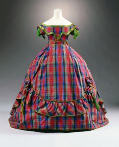 Fripperies and Fobs-Robe à transformation ca. 1866