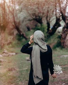 Hijab Niqab, Muslim Hijab, Mode Hijab, Hijab Outfit, Modern Hijab Fashion, Muslim Women Fashion, Hijab Casual, Hijab Chic, Hijabi Girl