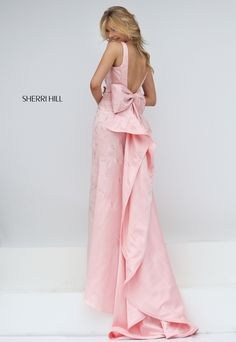 Sherri Hill Prom 2016 This looks like what Taylor Swift wore to the Met Gala or something like that