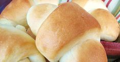 This basic homemade dinner roll recipe is the only one you'll ever need. It makes soft, sweet dinner rolls, and can also be used for cinnamon rolls. Vegan Bread Machine Recipe, Bread Machine Recipes, Bread Recipes, Cooking Recipes, Christmas Ham Dinner, Christmas Dishes, Christmas Recipes, Sweet Dinner Rolls, Homemade Dinner Rolls