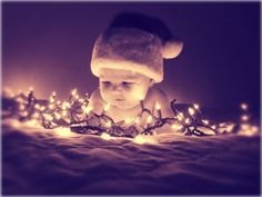 christmas photography what a clever idea. Baby Christmas Photos, Xmas Photos, Holiday Pictures, Babies First Christmas, Christmas Pics, Black Christmas, Fall Family Pictures, Christmas Holidays, Christmas Cards