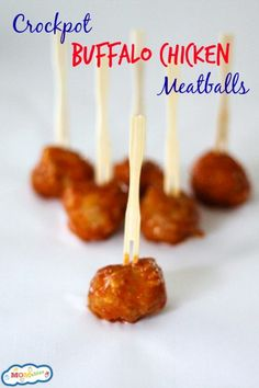 Need the perfect party food for weekend get togethers? These crockpot buffalo chicken meatballs stay warm for hours and are gluten free! Homemade Chicken Nuggets, Baked Chicken Tenders, Easy Baked Chicken, Chicken Bites, Buffalo Chicken Sauce, Buffalo Chicken Meatballs, Real Food Recipes, Cooking Recipes, Tailgating Recipes