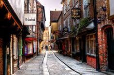 The Shambles in York, one of the best preserved medieval streets in England York Shambles, Great Places, Places Ive Been, York Uk, York England, Old Street, England And Scotland, Weekend Trips, Great Britain