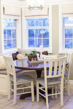 Corner bench with table and chairs for smaller eat-in kitchen