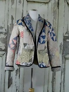 Quilted Clothes, Sewing Clothes, Diy Clothes, Clothes For Women, Quilted Jacket, Quilted Coats, Cool Jackets, Vintage Quilts, Blazer Jacket