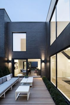 Christophe Colomb House in Montreal / Henri Cleinge and Manon Belanger