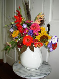 A Writer's Garden with Author Janis Lane Happy Images, Cut Flowers, Make Me Smile, More Fun, Harvest, Bloom, Wreaths, Seasons, Garden