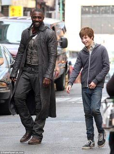 Idris Elba et Nicholas Hamilton sur le tournage de The Dark Tower
