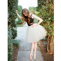 Jane- a DC cherry blossom ballerina session Photo By Abby Grace Photography. Dance Photography Poses, Dance Poses, Ballet Dance Photography, Ballet Pictures, Dance Pictures, Dance Photo Shoot, Contemporary Dance, Ballet Beautiful, Dance Art