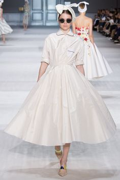 Giambattista Valli Fall 2014 Couture - Collection - Gallery - Look 1 - Style.com