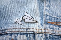 This would be an easy pin to make out of white shrink plastic!