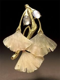Ginko Leaves - Mother-of-Pearl Brooch , very realistic and beautiful!