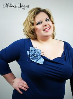 Broche cravate www. Neck Lines, Old Ties, Women Ties, Tie Pin, Repurposing, Bellisima, Creations, Jewelry, Fashion