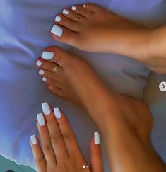 Acrylic Nails Coffin Short, White Acrylic Nails, Best Acrylic Nails, Acrylic Nail Designs, Square Acrylic Nails, Matte White Nails, White Manicure, White Nail Polish, Coffin Shape Nails