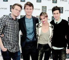 The TFiOS crew >>> I want this picture like framed and put on my wall. lol